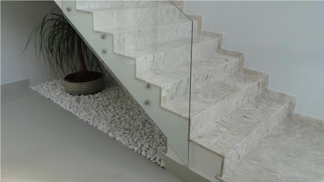 Escada 03